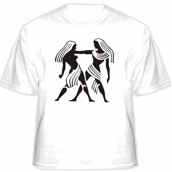фразы на футболках.